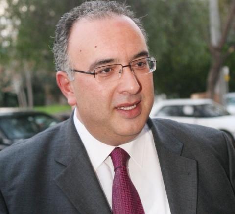 Ένας ακόμη βουλευτής της ΝΔ (ο Μιχ. Παπαδόπουλος) δεν ψηφίζει...